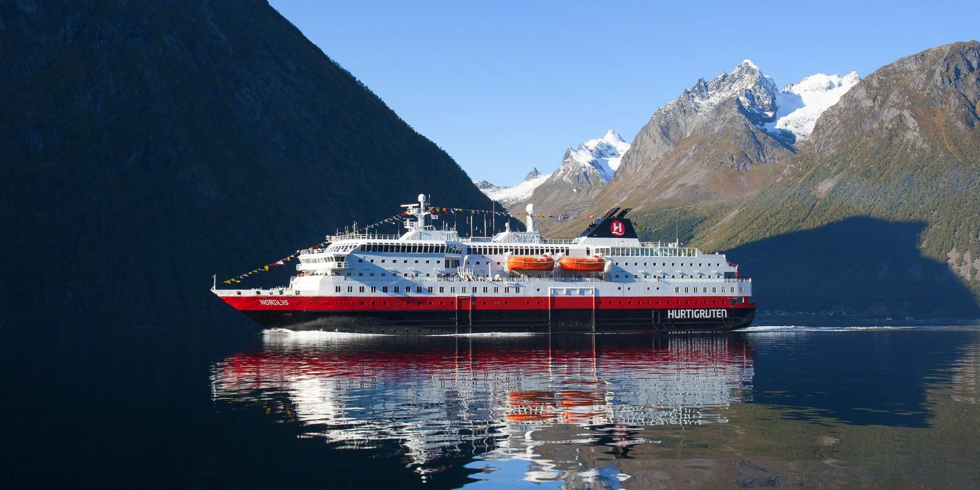 Skibet M/S Nordlys - Hurtigruten - Ruby Rejser