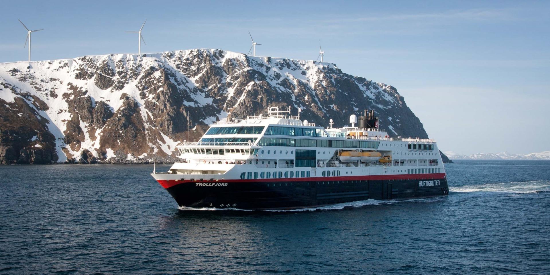 skibet M/S Trollfjord - Hurtigruten - Ruby Rejser