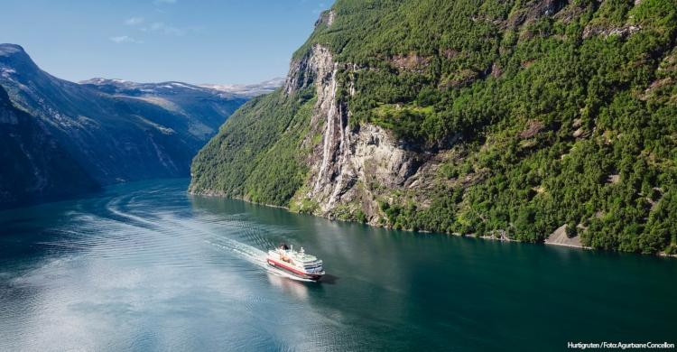 Sejlads lang Norges kyst - Spar op til 30%
