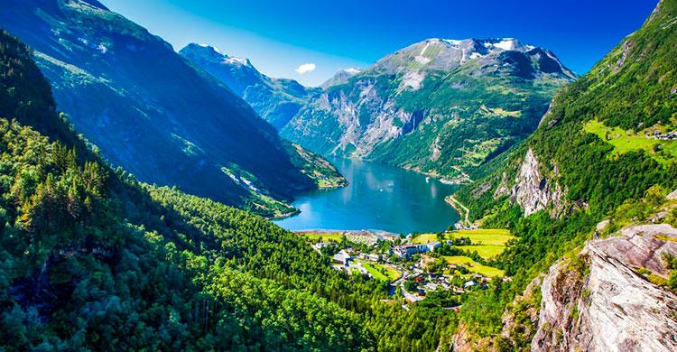 Geirangerfjorden om sommeren
